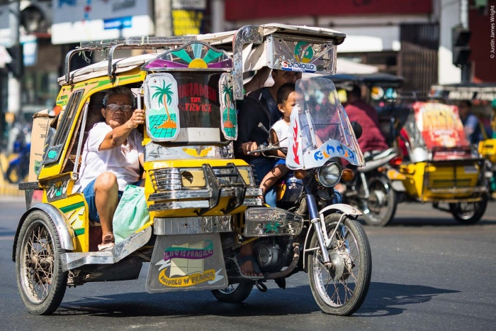 Tricycle cũng là một phương tiện di chuyển độc đáo mà bạn có thể thử khi tớiPhilippines cổ vũ đội tuyển Việt Nam thi đấu SEA Games 30. (Ảnh: Pinterest)