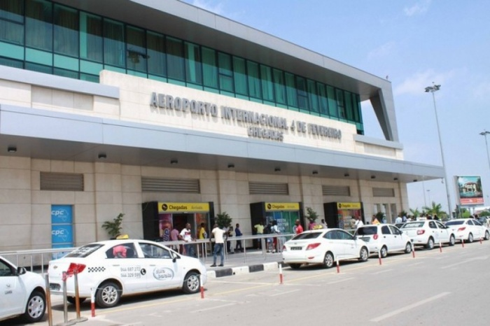 Sân bay quốc tếLuanda.