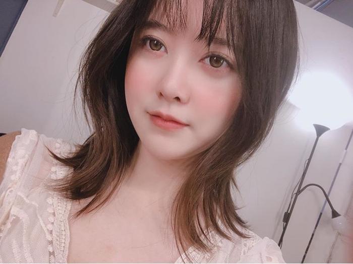 Ahn Jae Hyun họp báo phim mới, Goo Hye Sun liền phỏng vấn độc quyền khui lại chuyện ly hôn ảnh 2