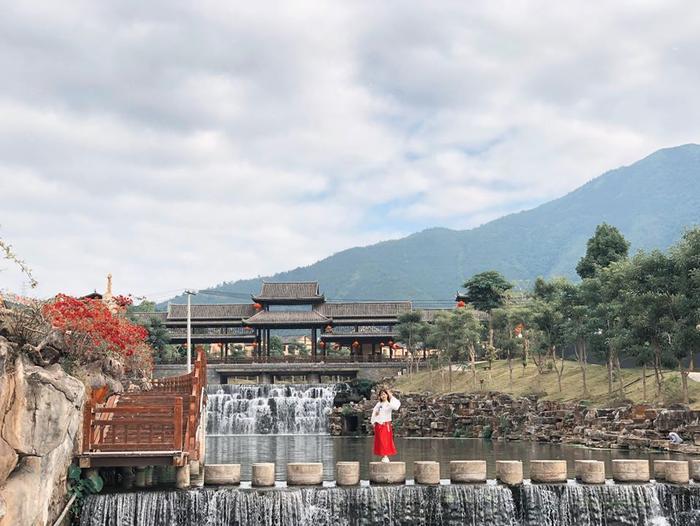 Bình Biên được coi là phiên bản thu nhỏ của Phượng Hoàng cổ trấn. (Ảnh: Huyen Nguyen)