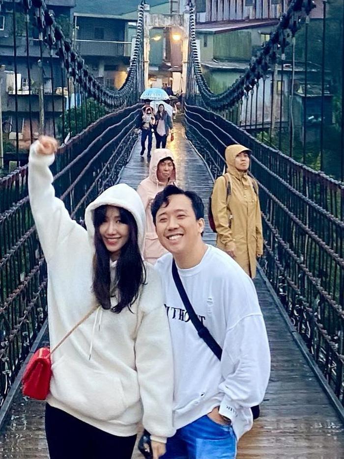 Đến hiện tại cả hai đã trở thành cặp vợ chồng được yêu quý nhất nhì showbiz Việt