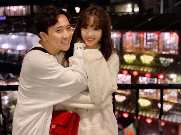 Hari Won còn được mọi người khen ngợi về nhan sắc xinh đẹp trẻ trung như thiếu nữ