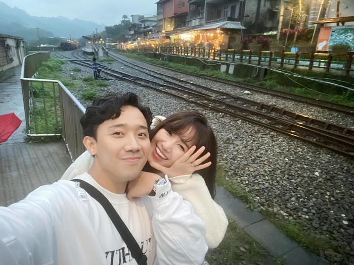 Thuở mới quen nhau cũng như lúc kết hôn, Hari Won và Trấn Thành từng vấp phải sự phản đối dữ dội từ cộng đồng mạng