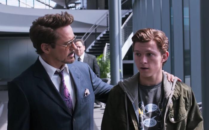 """Tony Stark ban đầu """"cưng chiều"""" Peter đến độ quá phi lý."""
