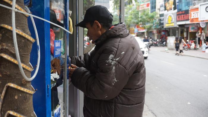 Những bộ quần áo miễn phí như vậy sẽ giúp cho những hoàn cảnh khó khăn thêm ấm áp.