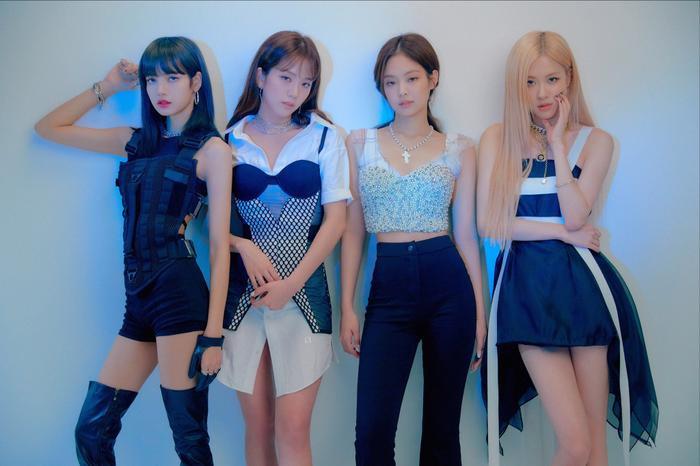Báo Hàn đưa tinnhóm BlackPink đã thu âm xong ca khúc chủ đề comeback.