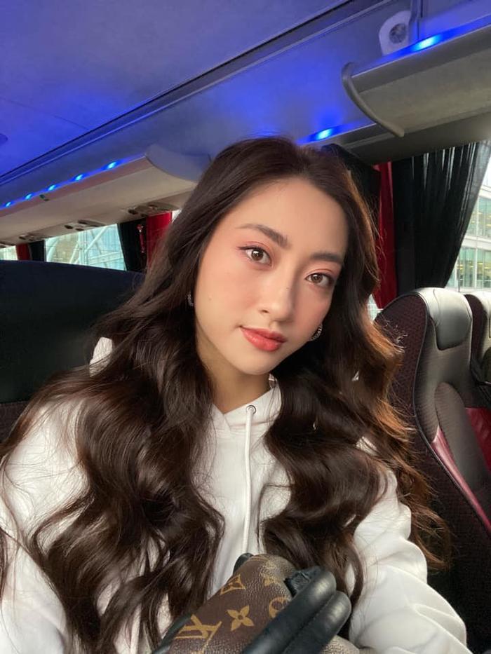 Lương Thùy Linh khoe vòng eo 62, phủ sóng loạt bảng dự đoán Hoa hậu Thế giới 2019 ảnh 8