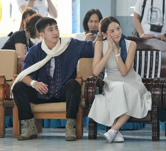 Fan hâm mộ không khó để nhìn thấy những hành động ân cần, tình tứ, quan tâm lẫn nhau của Tono và Nychaa