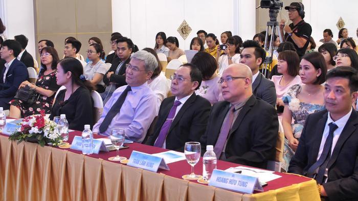 Hội thảo có sự góp mặt của đại diện Bộ Y Tế cùng các tiến sĩ, bác sĩ đầu ngành trong các lĩnh vực Tim mạch, Gây mê hồi sức, Phẫu thuật tạo hình thẩm mỹ.
