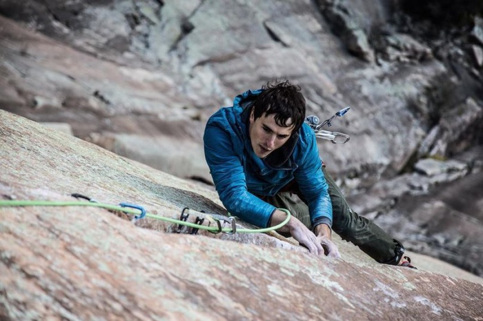 Brad Gobright gặp tai nạn khi trèo xuống vách núi cao 300 m.