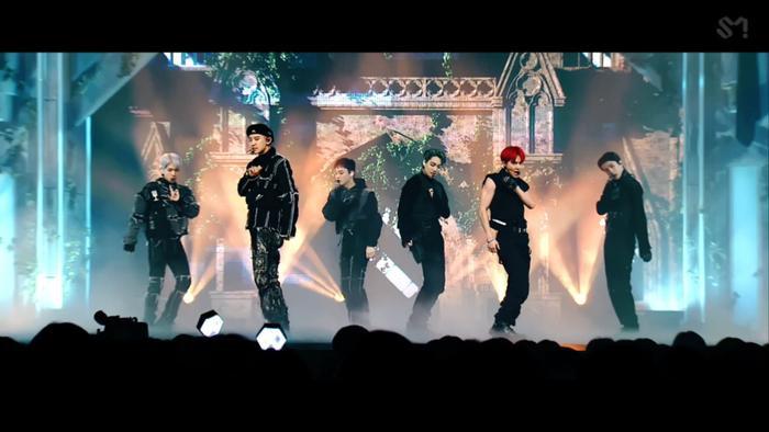 Sân khấu live hoành tráng của 'Obsession': Phiên bản EXO hay X-EXO đúng 'gu' bạn?