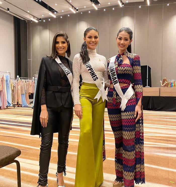 Hoa hậu Philippines bị mất phong độ khi nhập cuộc, phong cách thời trang của người đẹp bị chê già và nhạt.