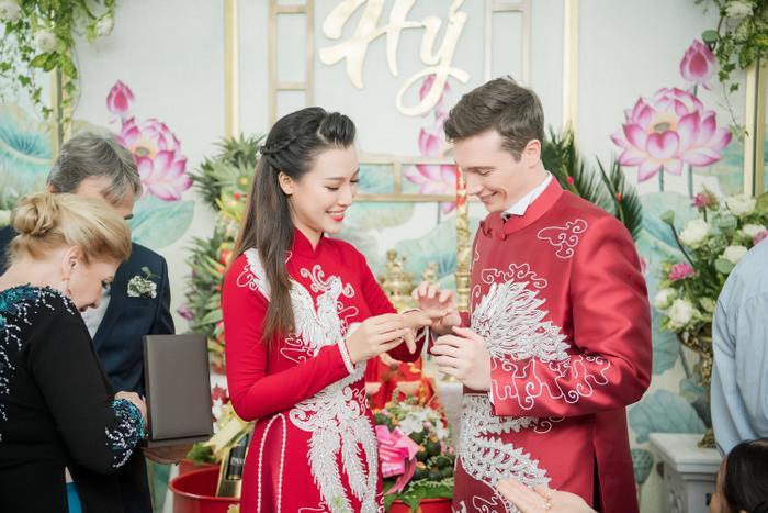 Khoảnh khắc đáng yêu: Jack lúng túng trao nhầm nhẫn chú rể cho cô dâu Hoàng Oanh ảnh 10
