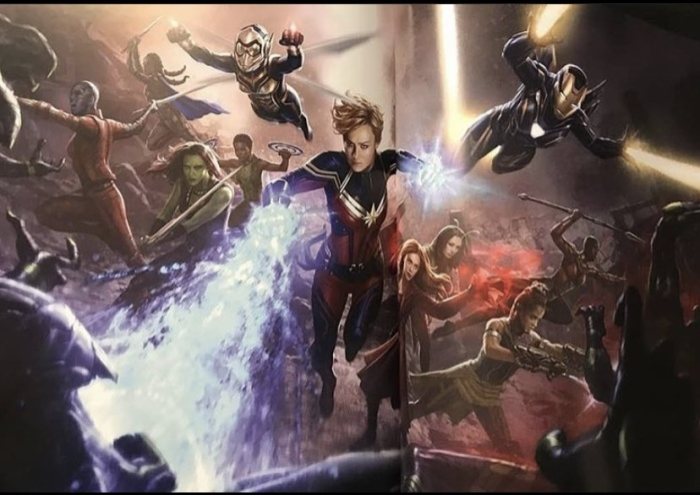 Nakia (sau lưng Gamora) cũng góp mặt trong trận chiến cuối của Endgame.