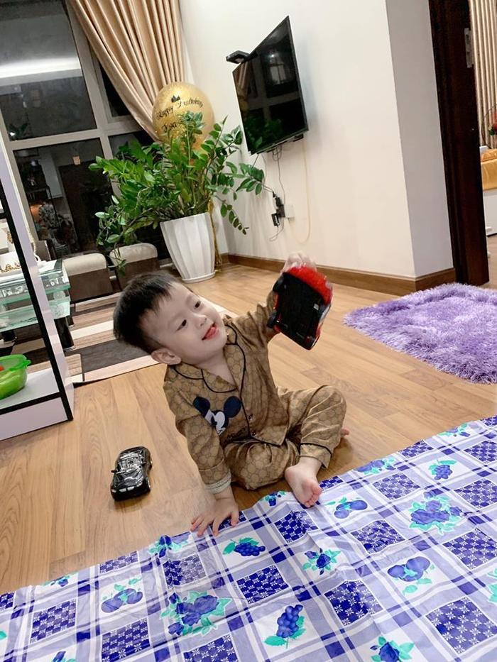 Những hình ảnh của cậu bé Đậu Đậu luôn nhận được nhiều lời khen ngợi của mọi người vì sự dễ thương và kháu khỉnh