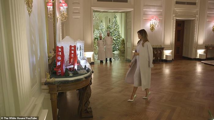 Nhà Trắng đẹp lung linh dưới bàn tay bà Melania Trump mùa Giáng sinh - Ảnh 5.