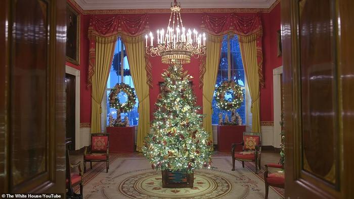 Nhà Trắng đẹp lung linh dưới bàn tay bà Melania Trump mùa Giáng sinh - Ảnh 9.