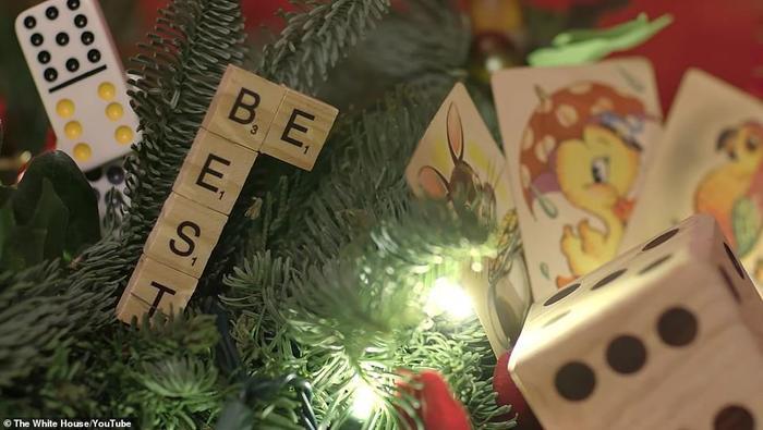 Nhà Trắng đẹp lung linh dưới bàn tay bà Melania Trump mùa Giáng sinh - Ảnh 3.