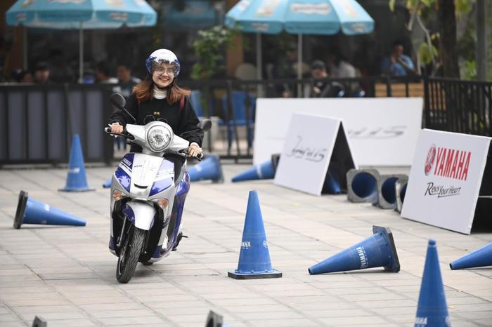 Thử tay lái điêu luyện với chiếc xe Janus và FreeGo của Yamaha.