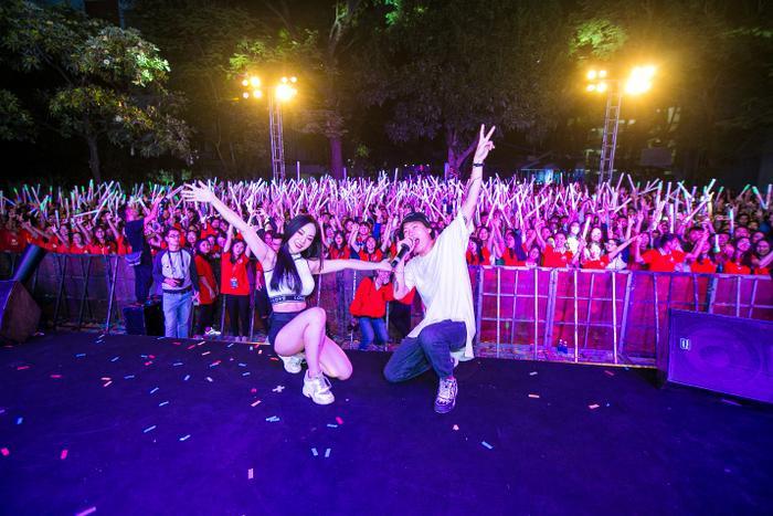 DJ Million và Napple phô diễn tài năng, toả sáng trên sân khấu và cái tên may mắn lọt vào top 3 là DJ Million.