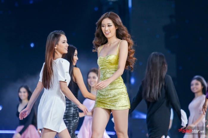 Top 45 Miss Universe Vietnam 2019 đẹp rạng rỡ, hô tên tỉnh nhà vang dội sân khấu Bán kết ảnh 13