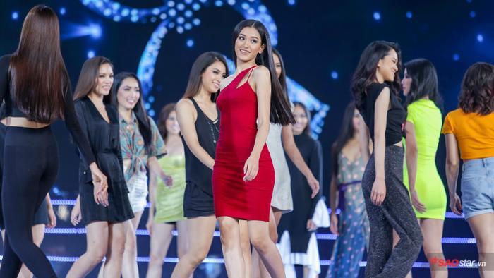 Top 45 Miss Universe Vietnam 2019 đẹp rạng rỡ, hô tên tỉnh nhà vang dội sân khấu Bán kết ảnh 15