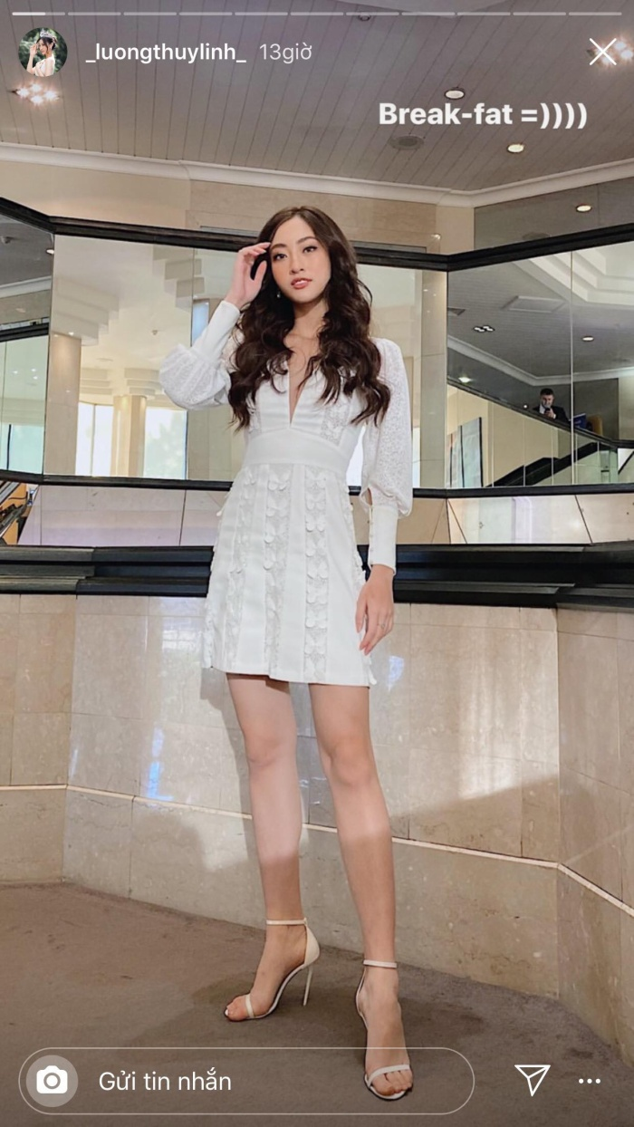 Hoa hậu Lương Thùy Linh hóa quý cô sang trọng, đài các với mẫu váy trắng đính kết những cánh bướm. Bám sát tiêu chí của Miss World, đại diện Việt đã nắm bắt khá tốt gu thời trang nhằm mang lại một diện mạo không chỉ đẹp mà còn hợp nhãn sân chơi lớn nhất hành tinh.
