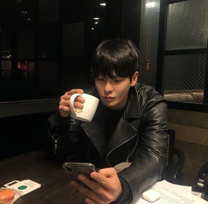 Trước khi qua đời, Cha In Ha đăng ảnh đi chơi vào tối qua (02/12) ảnh 5