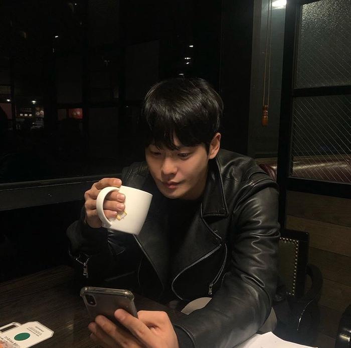 Trước khi qua đời, Cha In Ha đăng ảnh đi chơi vào tối qua (02/12) ảnh 1
