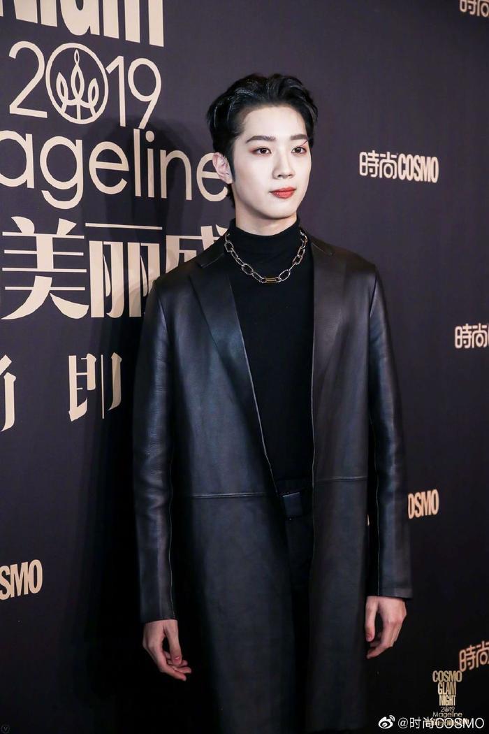 Lưu Thi Thi đẹp nền nã, Địch Lệ Nhiệt Ba khoe vòng một khủng trên thảm đỏ Cosmo Glam Night 2019 ảnh 19