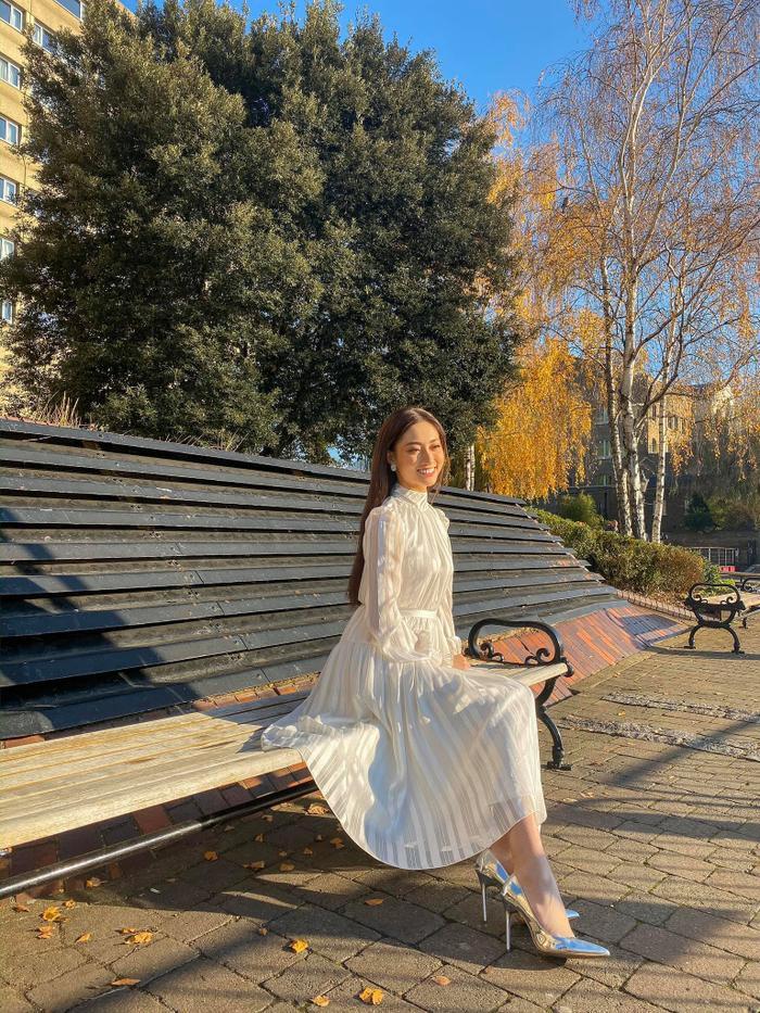 Nụ cười rạng rỡ của Lương Thùy Linh.