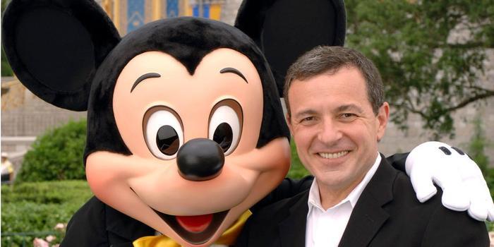 """Bob Iger tên thật là Robert A. """"Bob"""" Iger, chủ tịch và CEO của tập đoàn Walt Disney từ năm 2000."""