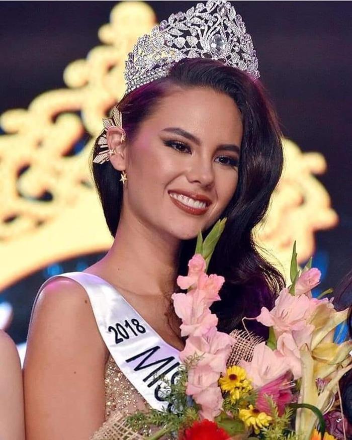 Nhiều fan cho rằng vương miện mới của Miss Universe khá giống với vương miện Hoa hậu Hoàn vũ Philippines.