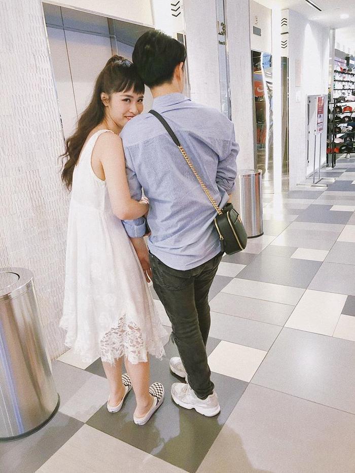 """Có thể nói từ khi kết hôn đến nay cặp đôi luôn khiến mọi người """"tan chảy"""" vì sự đẹp đôi và lãng mạn của mình."""