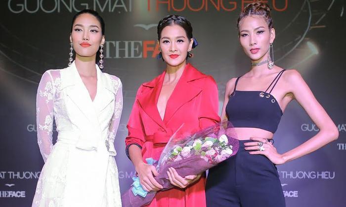 Cô làMiss Thailand World 1992 giành quyềnđại diện tham gia Hoa hậu Thế giới, đạt danh hiệu Hoa hậu xuyên lục địa châu Á và châu Đại Dương.