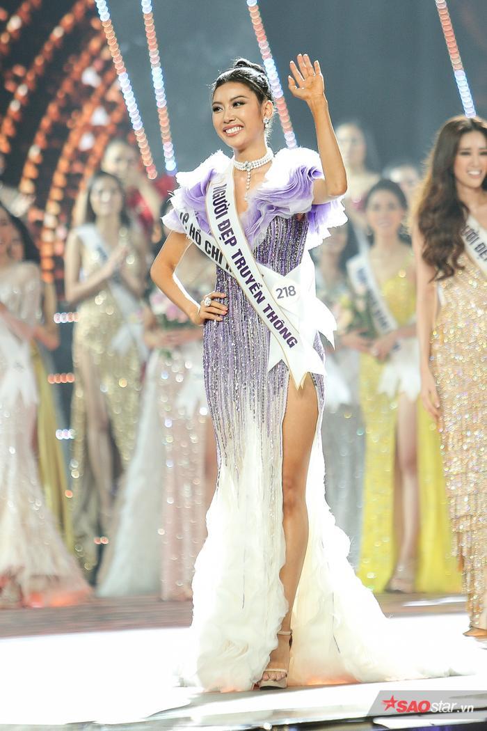 Hoa hậu Quốc tế 2015 tiếc nuối vì Thúy Vân không đăng quang: Điều tốt đẹp hơn đang chờ chị ảnh 1