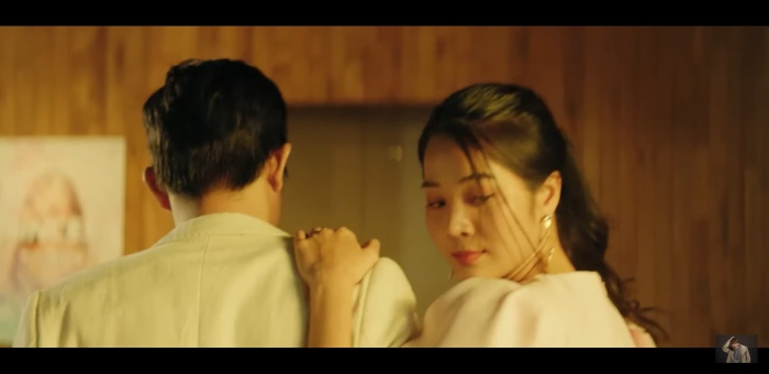 """MV khiến khán giả thích thú khi có sự xuất hiện của """"Hân tiểu tam"""" trong series #ADODDA của Hương Giang."""