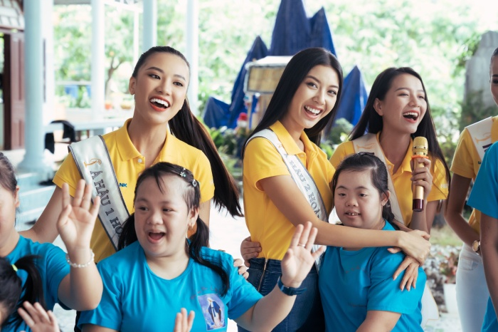 Khánh Vân cất vương miện cùng Kim Duyên  Thúy Vân hoạt động từ thiện đầu tiên sau đăng quang ảnh 11