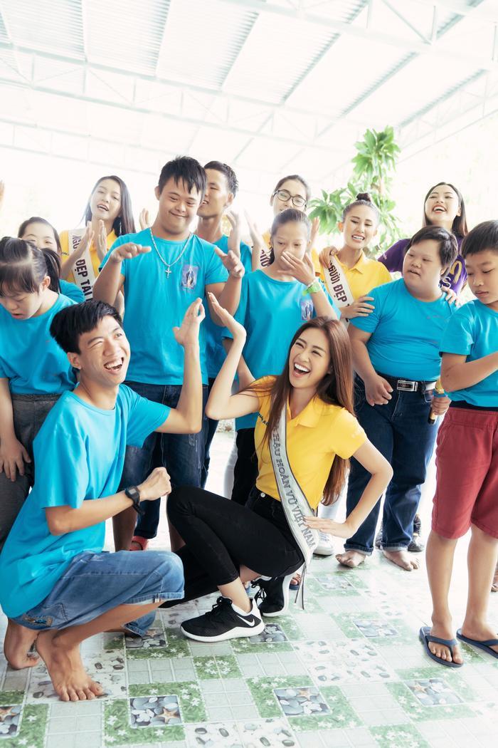 Khánh Vân cất vương miện cùng Kim Duyên  Thúy Vân hoạt động từ thiện đầu tiên sau đăng quang ảnh 7