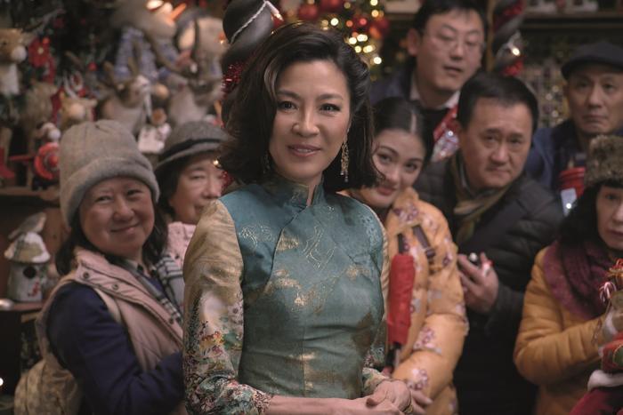 'Last Christmas': Bộ phim cảm động mùa giáng sinh của 'Mẹ Rồng' từ Game of Thrones ảnh 2