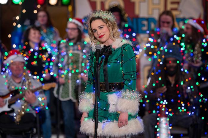'Last Christmas': Bộ phim cảm động mùa giáng sinh của 'Mẹ Rồng' từ Game of Thrones ảnh 4