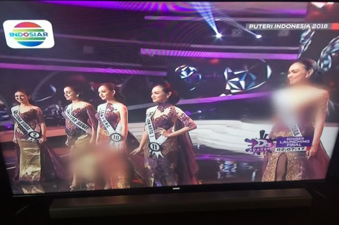 Đây không phải là lần dầu tiên các Hoa hậu bị che trên sóng truyền hình. Trước đó khi trực tiếp chung kết Puteri Indonesia 2016, kênh truyền hình này cũng che đi hình ảnh các cô gái vì cho rằng ăn mặc hở hang.