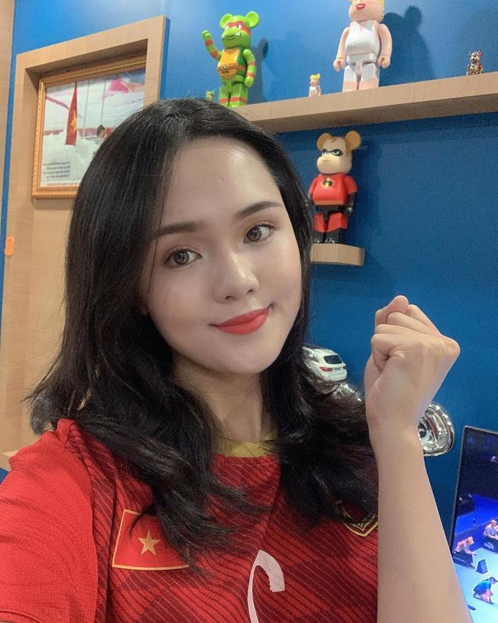 Dàn hot girl quẩy tưng bừng ăn mừng Việt Nam vô địch SEA Games