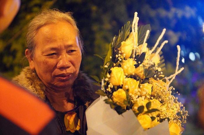 Bà nội Tiến Linh