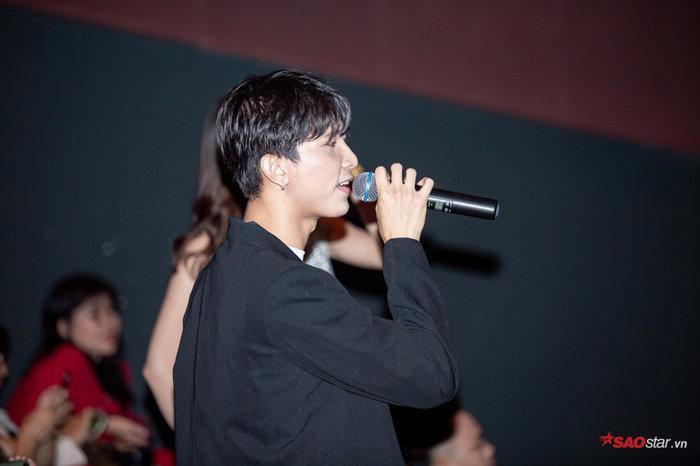 """Toof.P từng công khai """"thả thính"""" Lan Ngọc trong họp báo ra mắt MV Gái già muốn lấy chồng."""