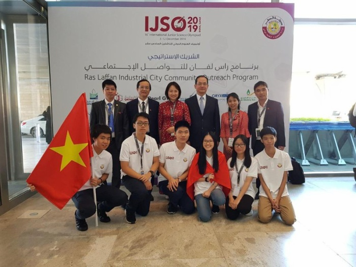 Đoàn học sinh VN đoạt Huy chương tại Kỳ thi Olympic Khoa học trẻ quốc tế IJSO 2019