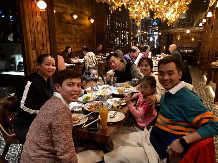 Những bức hình mà người vú em Khương mập chụp ảnh cùng gia đình Ốc cho thấy rõ được sự thân thiện, gần gũi của bà Khương như một người thân trong gia đình.