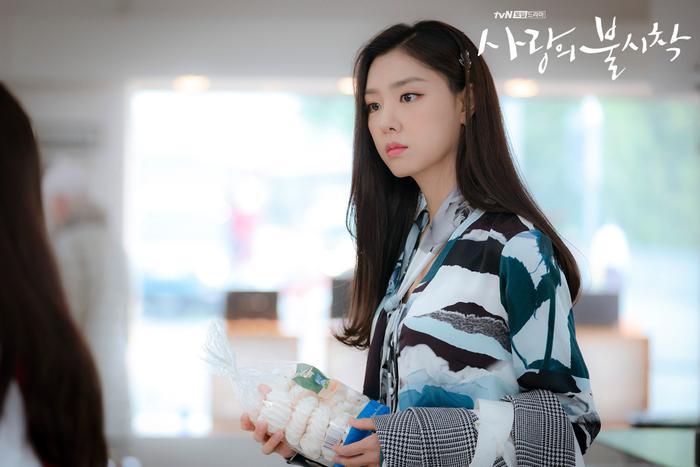 3 lý do nên xem Crash Landing On You của Hyun Bin  Son Ye Jin ngay và luôn ảnh 9