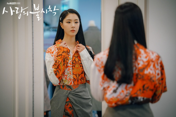 3 lý do nên xem Crash Landing On You của Hyun Bin  Son Ye Jin ngay và luôn ảnh 6