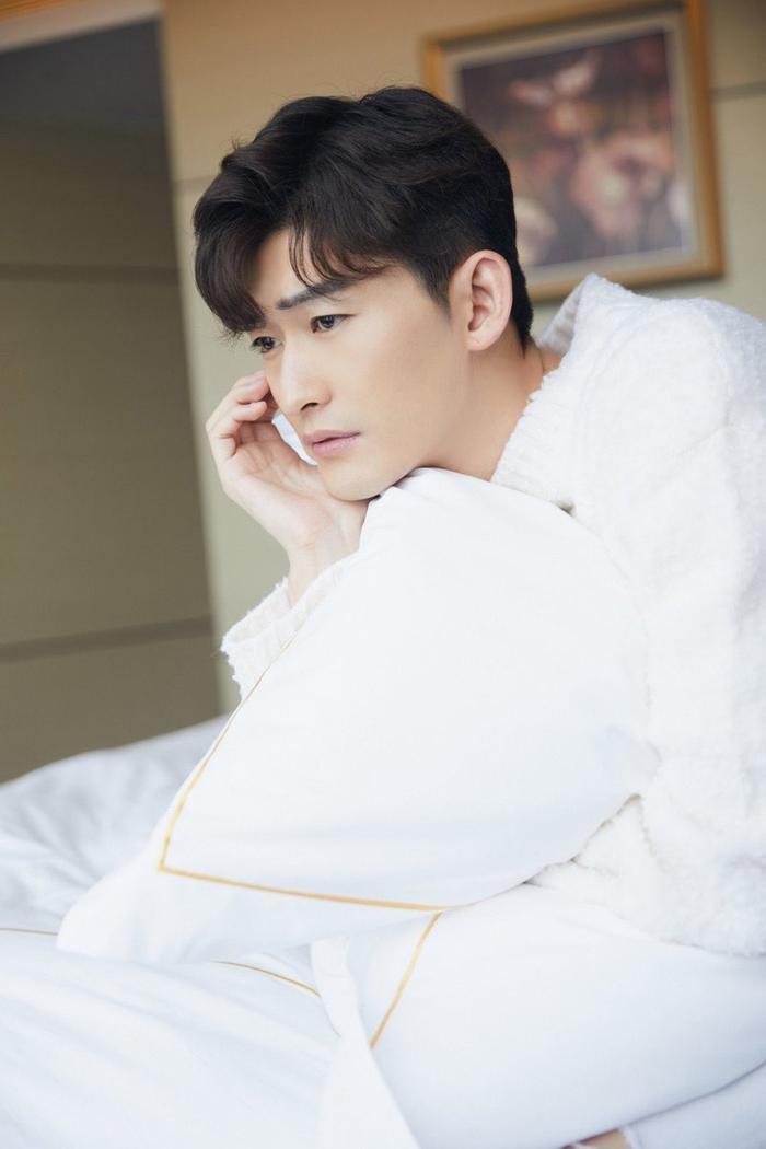 """Trương Hàn """"lên đồ"""" tham dựsự kiện thương hiệu nước hoa ở Nam Kinh."""